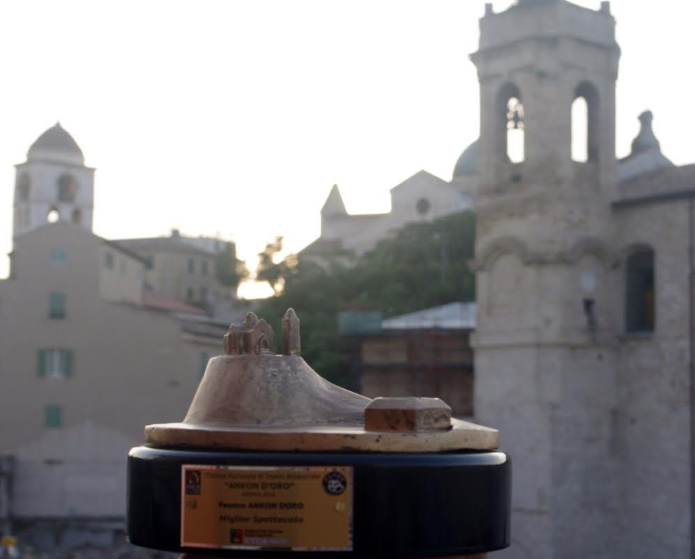 """Risultati e classifica del I festival di teatro nazionale """"Ankon d'oro premio Carlo Urbani"""""""